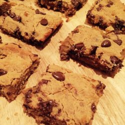 Flourless Choc Chip & Peanut Butter Blondies